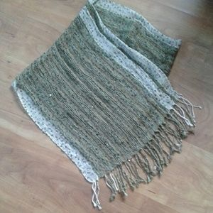 Women's scarf, like new condition